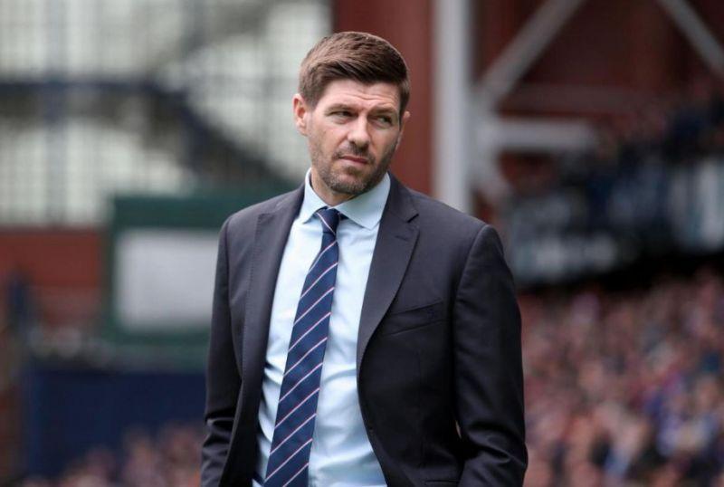 Steven Gerrard at the Rangers touchline