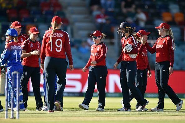 पहला मैच हारने के बाद इंग्लैंड की जीत