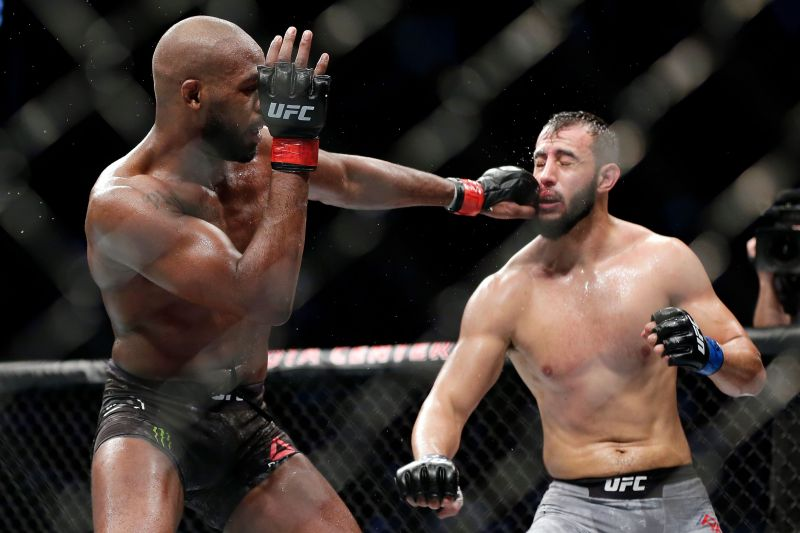 Jon Jones retained his Light-Heavyweight title in a close call against Dominick Reyes