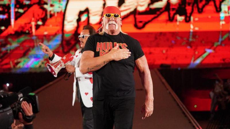Hogan is getting ready (Pic Source: WWE)