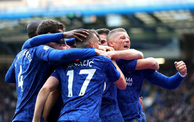 Chelsea players celebrate against Spurs