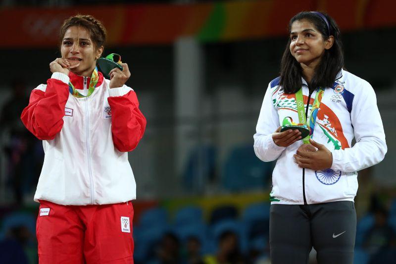 Sakshi Malik with her bronze Olympic medal.