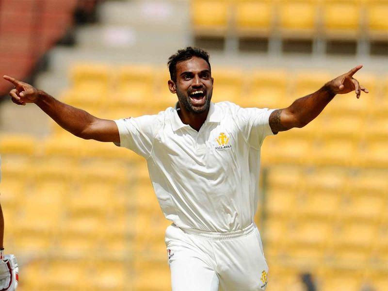 Abhimanyu Mithun picked up three wickets for Karnataka
