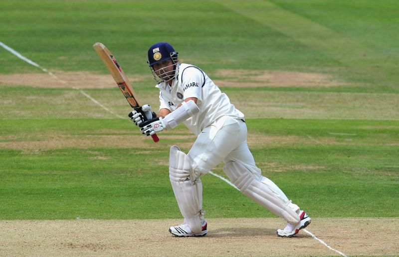 Sachin Tendulkar will be facing an over from Ellyse Perry during the Bushfire Appeal game on Sunday.