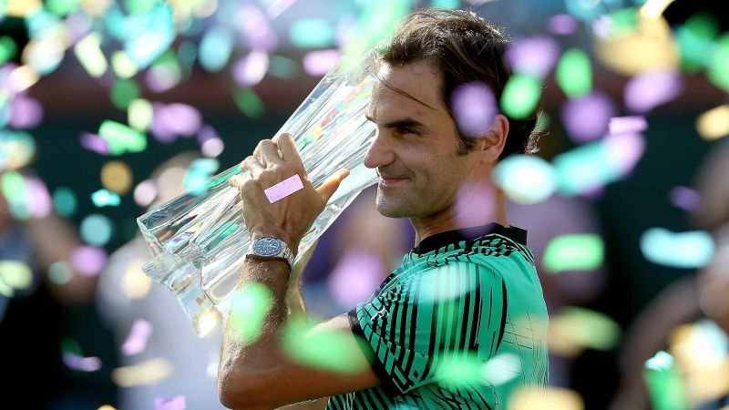 Roger Federer celebrates his 5th Indian Wells title in 2017