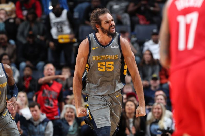 The Los Angeles Clippers look to add size and depth with veteran center Joakim Noah