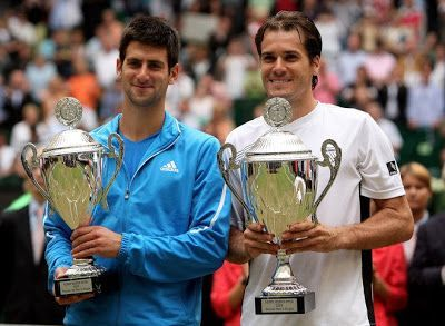 Tommy Haas (right) beats Djokovic in the 2009 Halle final.