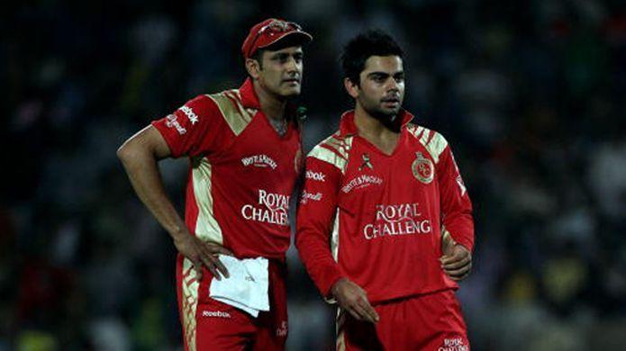 Anil Kumble (L) with Virat Kohli (R)