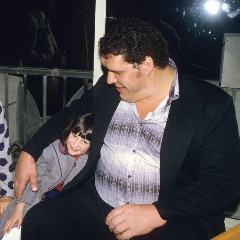 Stephanie McMahon y Andre The Giant