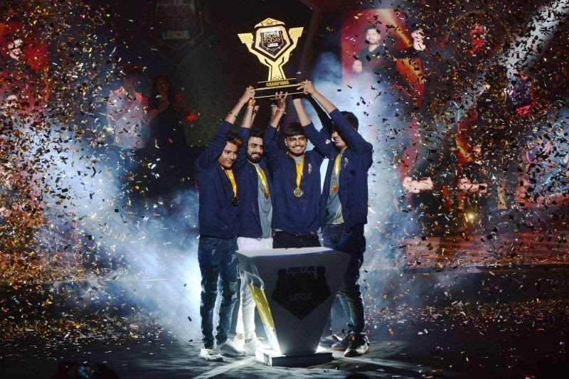 Team Nawabzade lifts the Free Fire India Today League (FFITL) trophy.