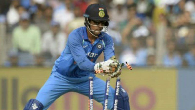 MS Dhoni adding a dismissal to his tally