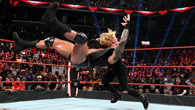 Orton attacks Beth Phoenix