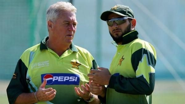 Bob Woolmer with Shahid Afridi