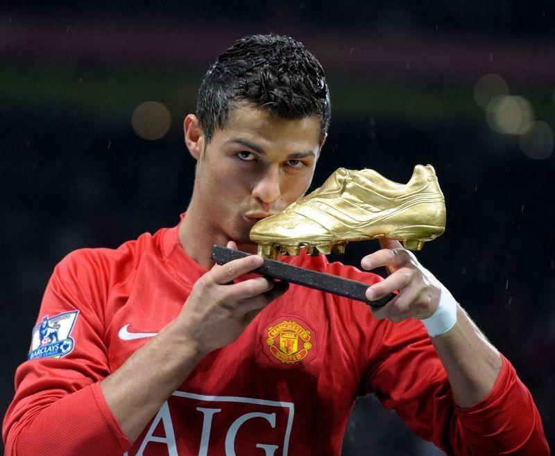 Ronaldo with the European Golden Shoe