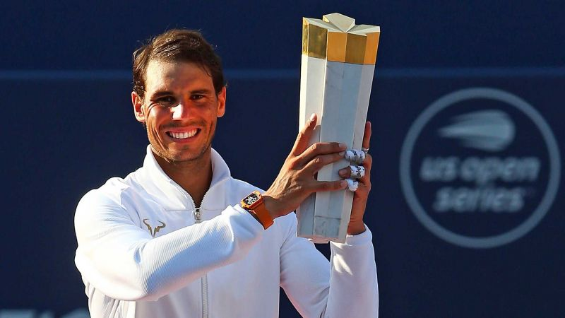 Nadal hoists aloft his 35th Masters 1000 title at the 2019 Coupe Rogers.