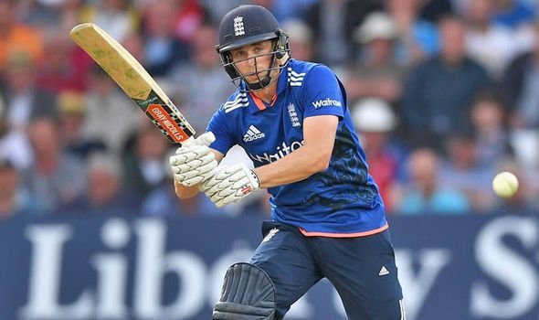 Chris Woakes during his innings of 95 not out against Sri Lanka in 2016.