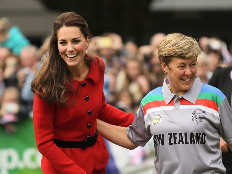 Debby Hockley with Kate Middleton at a promotional event of ICC World Cup 2015