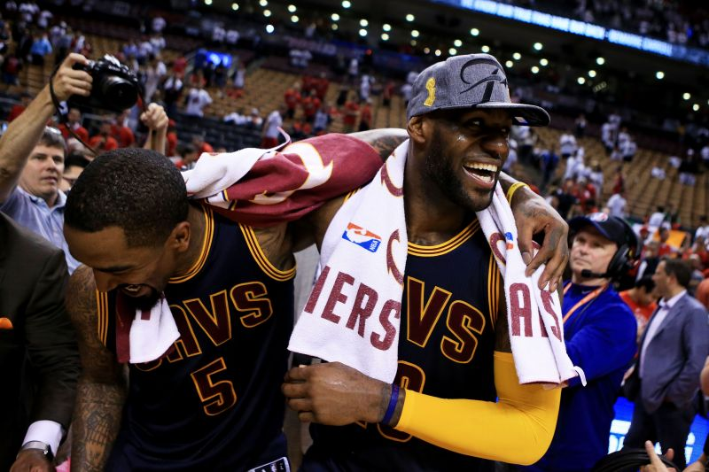 JR Smith might reunite with LeBron James, should the Lakers sign him for the rest of the season