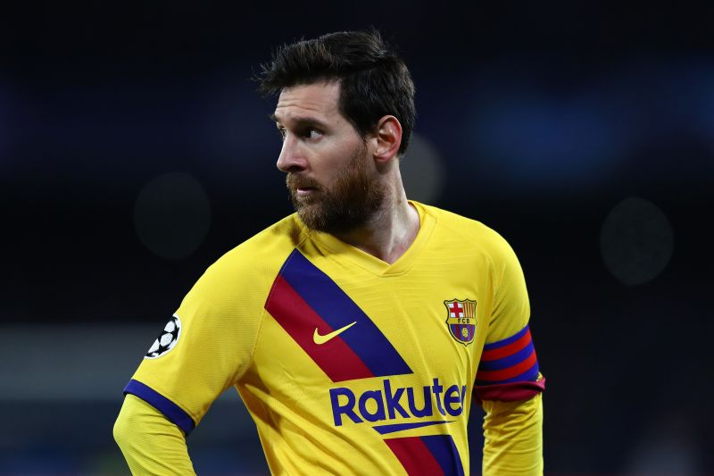 Messi looks on frustrated by Barca