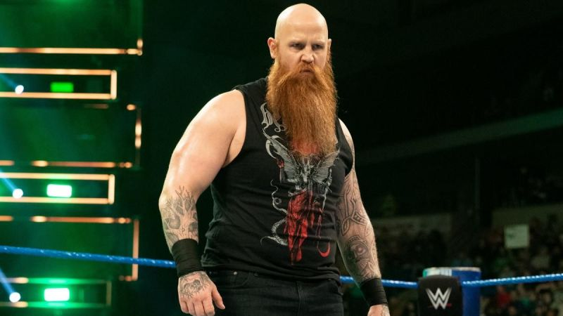 Erick Rowan reveals what's inside his cage on tonight's episode of WWE RAW