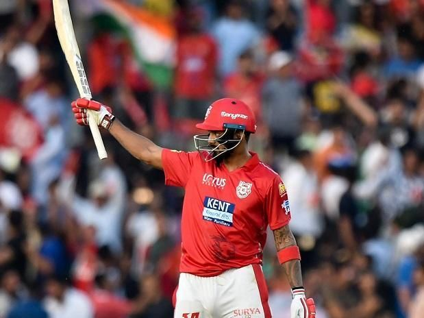 KL Rahul acknowledging the crowd after his record-breaking fifty off only 14 balls against DD in IPL 2018