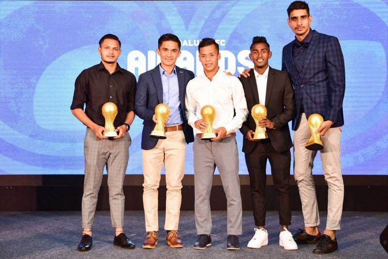 Nishu Kumar, Sunil Chhetri, Suresh Wangjam, Leon Augustine and Gurpreet Singh Sandhu at the BFC Awards Night