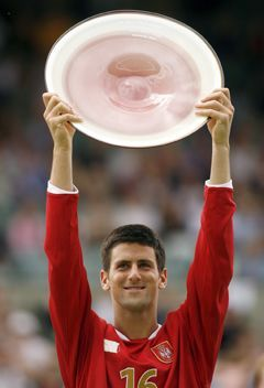 Djokovic lifts the 2007 Adelaide title