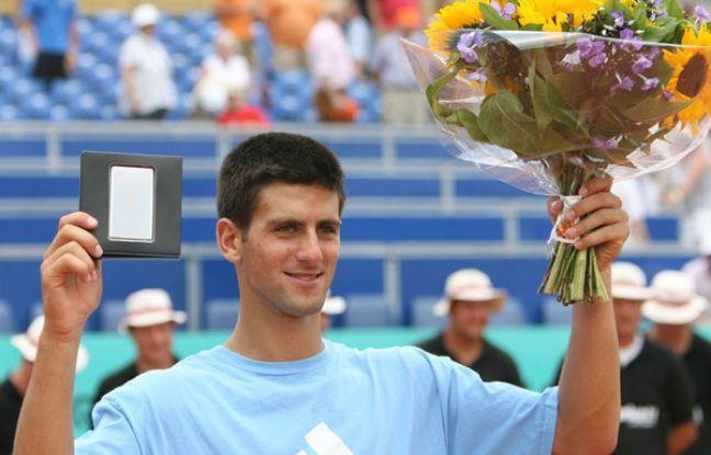 Djokovic lifts his first singles title at 2006 Amersfoort