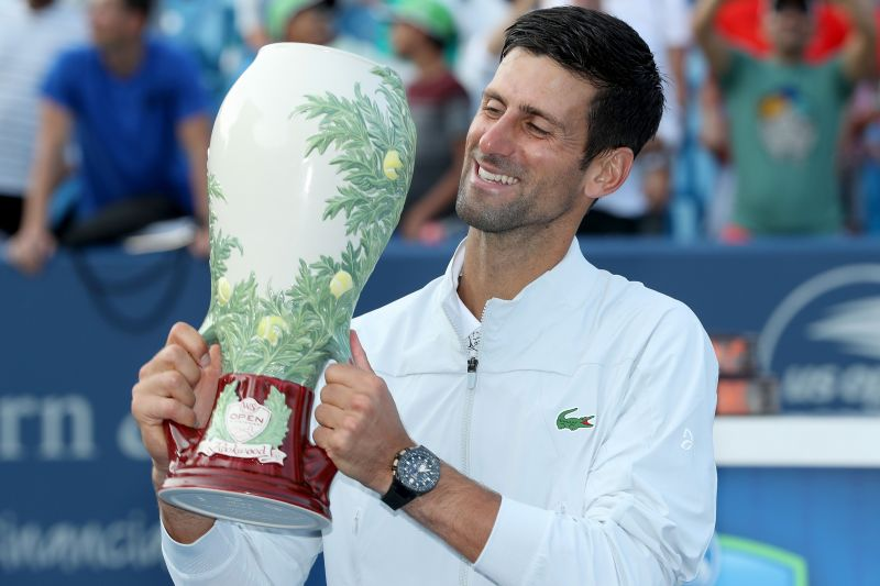 Djokovic celebrates his first Cincinnati Masters title in 2018