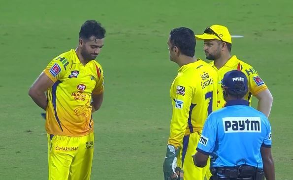 Dhoni is seen talking to Chahar [PC: Twitter]