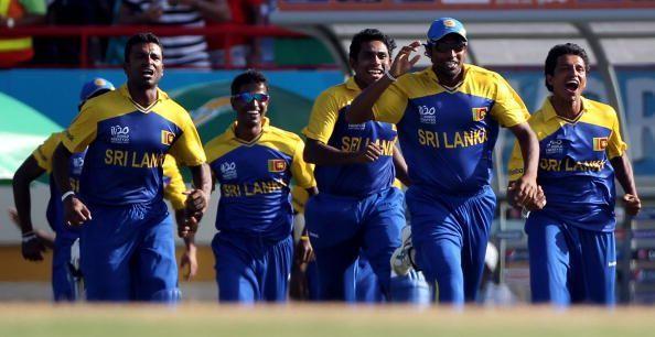 श्रीलंका ने आखिरी गेंद पर छक्का लगाकर मैच जीता