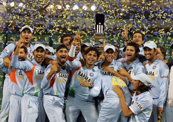 ऑस्ट्रेलिया में 2008 में हुई सीबी सीरीज जीतने के बाद भारतीय टीम