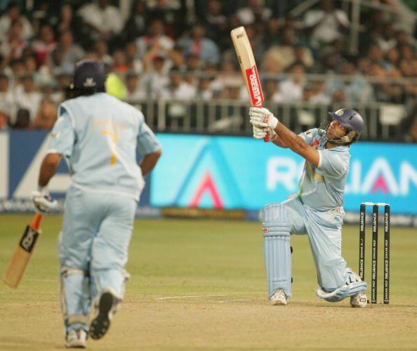युवराज सिह के ऐतिहासिक 6 छक्के, जोकि उन्होंने इंग्लैंड के खिलाफ करो या मरो के मुकाबले लगाए
