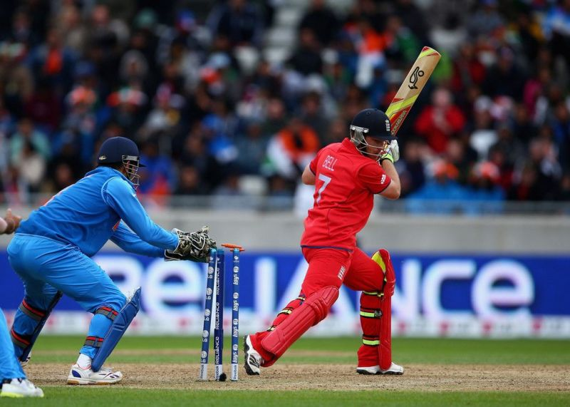 MS Dhoni dislodging the bails in a flash