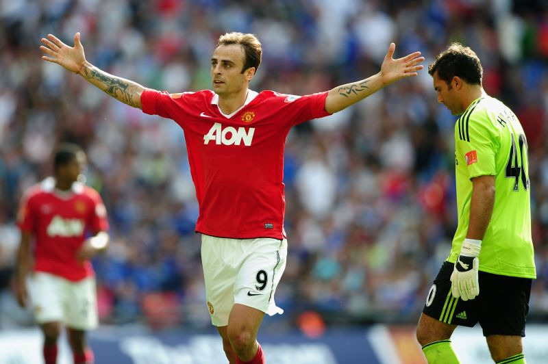 Berbatov (center) remains one of the most composed finishers in the game till date.