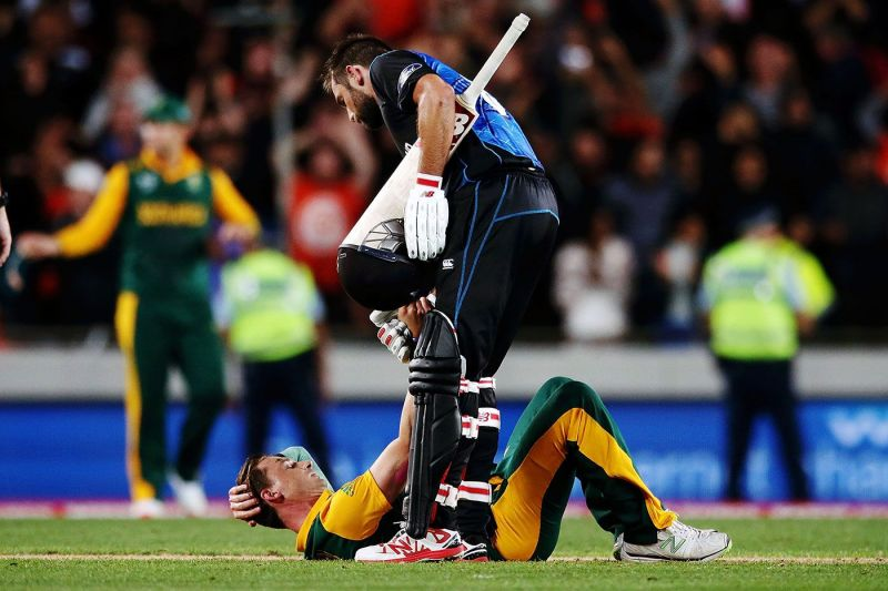 Grant Elliot offering a helping hand to Dale Steyn