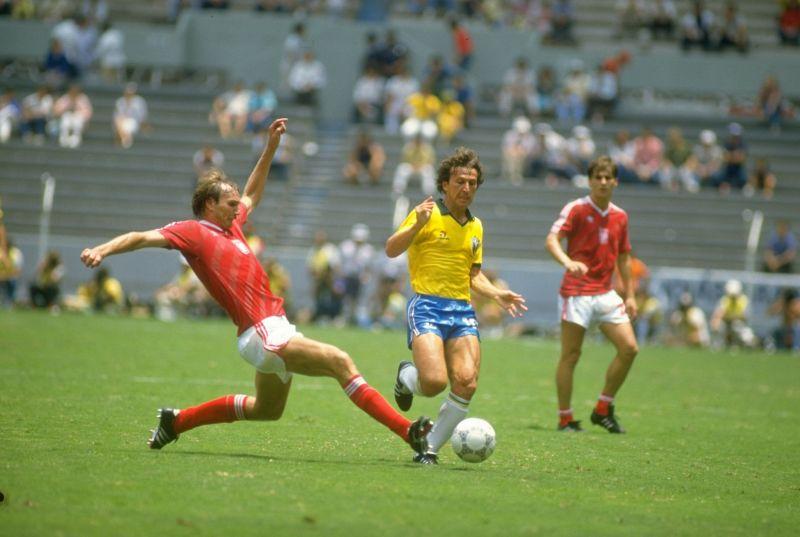 Wojcicki of Poland and Zico of Brazil