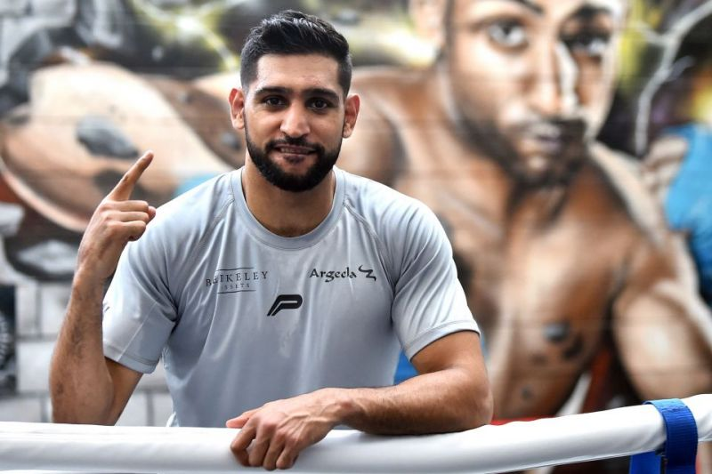 Amir Khan has previously accused Vijender Singh of being scared to fight him (Image credits: Talksport)