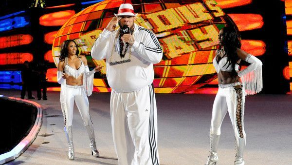 Brodus Clay and the Funkadactyls at WrestleMania 28!