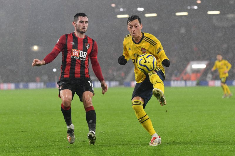 Özil playing for Arsenal in the 2019/20 Premier League season