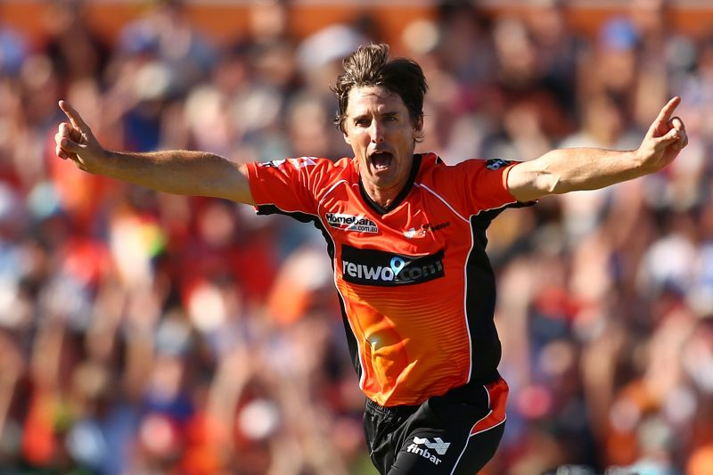 Brad Hogg believes players should be allowed to use saliva to shine the cricket ball