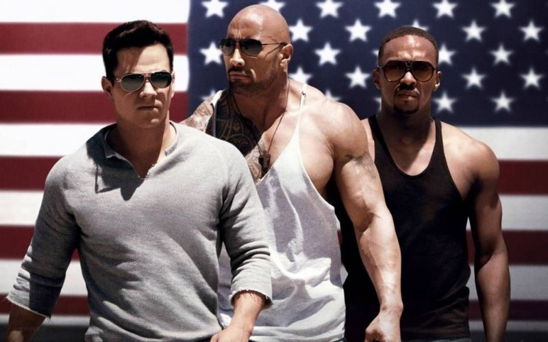 Promotional poster for Pain and Gain starring Mark Wahlberg and Dwayne Johnson