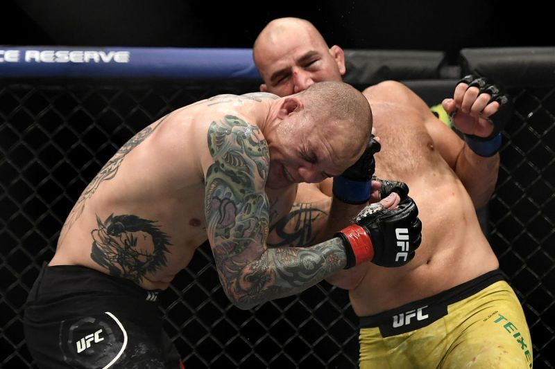 Glover Teixeira put a beatdown on Anthony Smith in last night