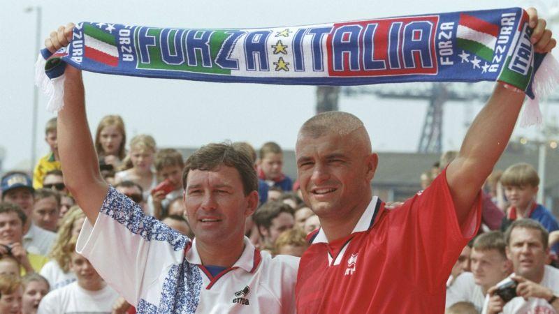 Bryan Robson and Fabrizio Ravanelli - cropped