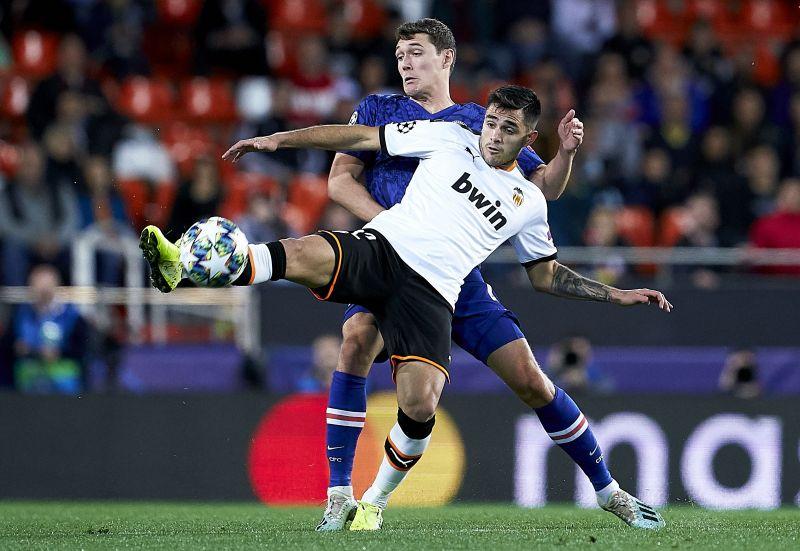 Maxi Gómez for Valencia in the UEFA Champions League