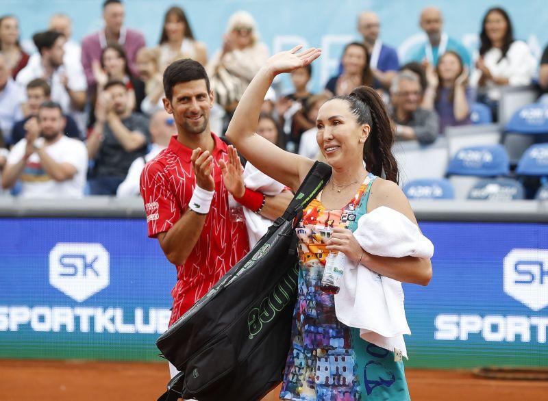 Novak Djokovic (L) and Jelena Jankovic