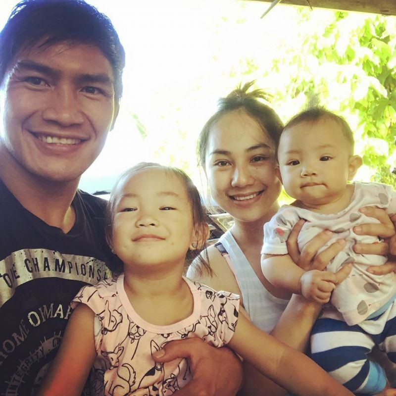 Eduard Folayang and family / Credit: Eduard Folayang