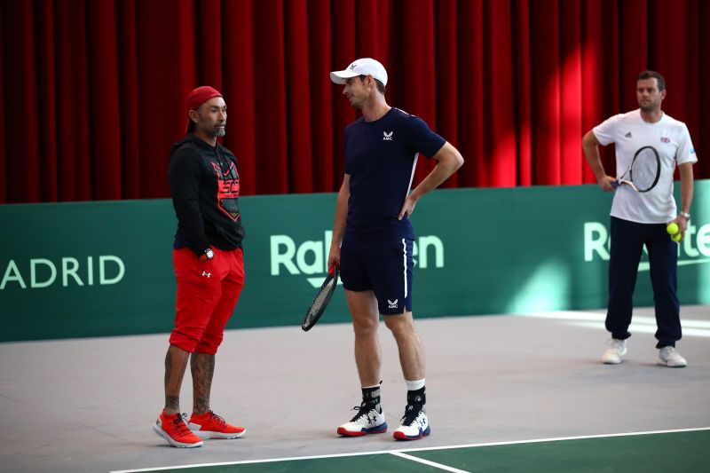 Marcelo Rios chats with Andy Murray during training at Davis Cup 2019