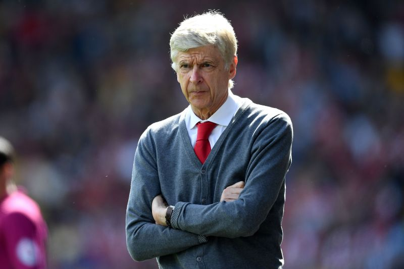 Arsene Wenger almost went nine years without winning a trophy from 2005 to 2014. This dry spell left him vulnerable to criticism from Arsenal fans and rival managers.