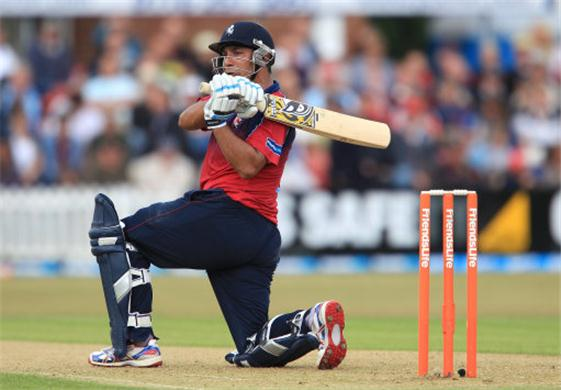 Azhar Mahmood: Handy 'British' Allrounder